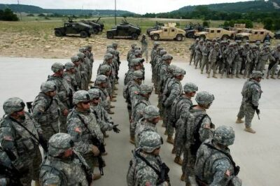 Photo: Troops line up before live fire training excercises at Fort Hood in Killeen, Texas.