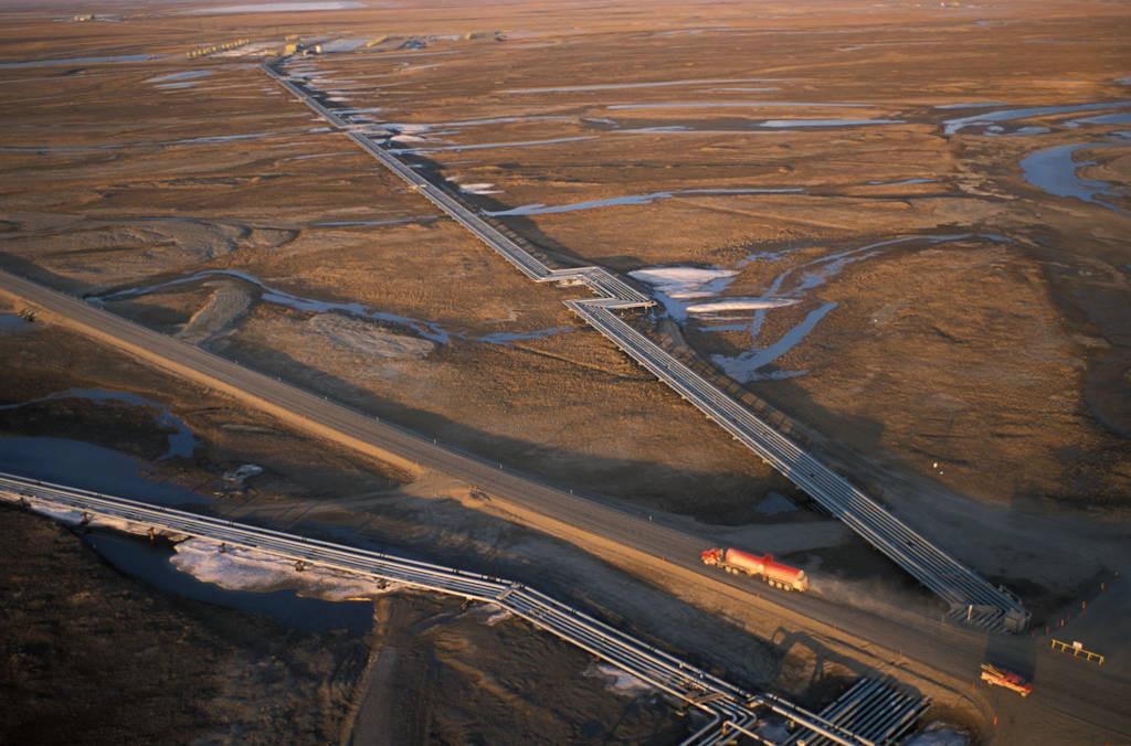 Photo: Oil pipeline in Prudhoe Bay, Alaska.