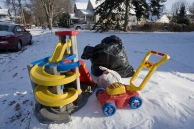 Photo: Kids' toys set out for the garbage man in Lincoln, Nebraska.