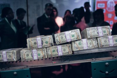 Photo: Bunches of $20 bills at the Federal Reserve in Boston.