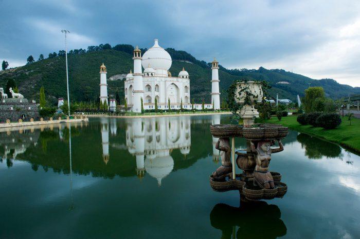 Photo: A replica of the Taj Mahal at Parque Jaime Duque in Columbia.
