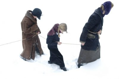 Photo: A family reenacts the Children's Blizzard of 1888.