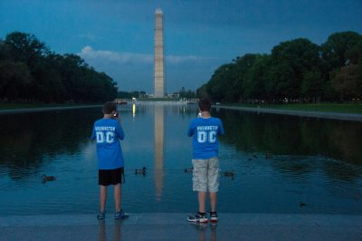 Photo: Two boys in front of the National Mall in Washington, DC.