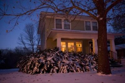 Photo: A snow-covered home in Lincoln, NE