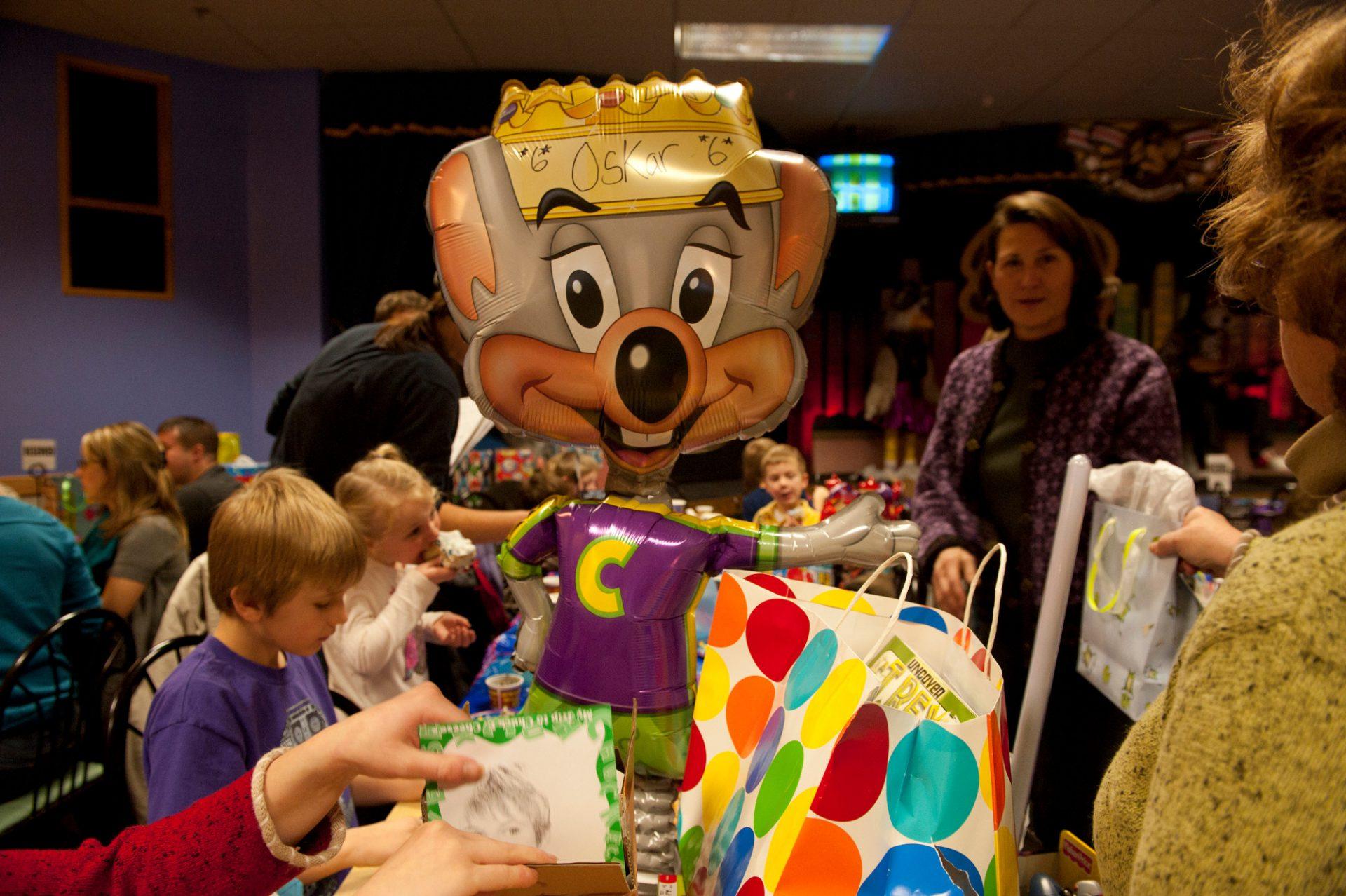 Photo: A birthday party at Chuck E. Cheese's in Lincoln, Nebraska.