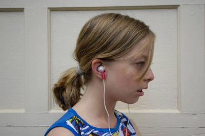 Photo: A 10-year-old's MP3 player causes her to go into a stupor.