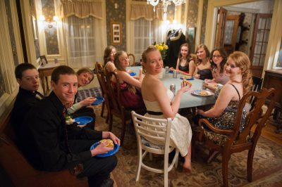 Photo: A group of teenagers eats pizza before going to a high school dance in Lincoln, Nebraska.