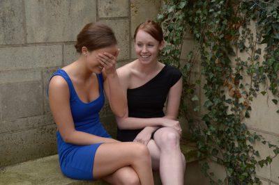 Photo: Two girls chat in Lincoln, Nebraska.