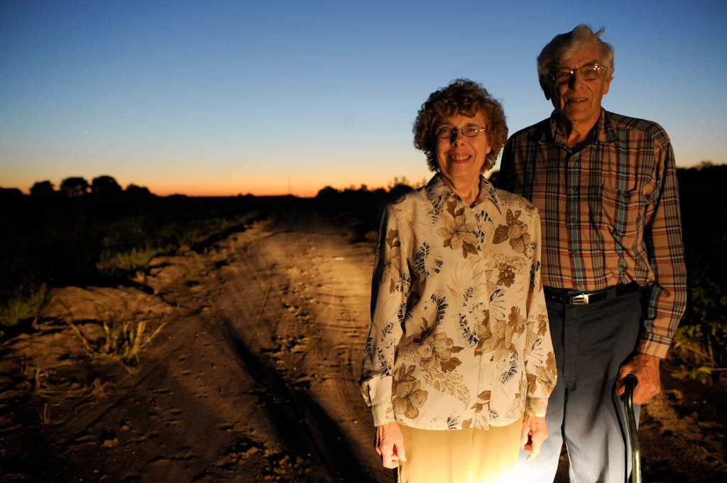 Photo: Portrait of a senior Nebraska farm couple.