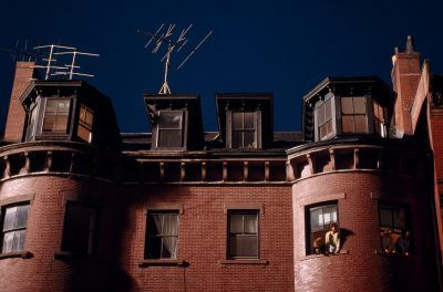 Photo: Beacon street town house condominiums and residents in Boston, Massachusets.