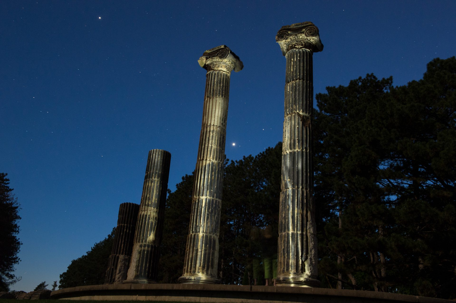 Photo: The historic columns at Pioneers Park in Lincoln, Nebraska.
