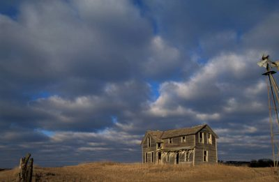 Photo: An abandoned farm house in eastern Nebraska.