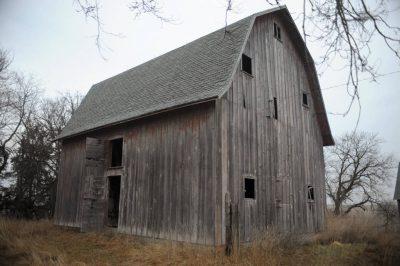 Photo: An old barn.
