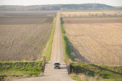 Photo: A county road that crosses the Missouri Valley between Peru and Nebraska City, Nebraska.