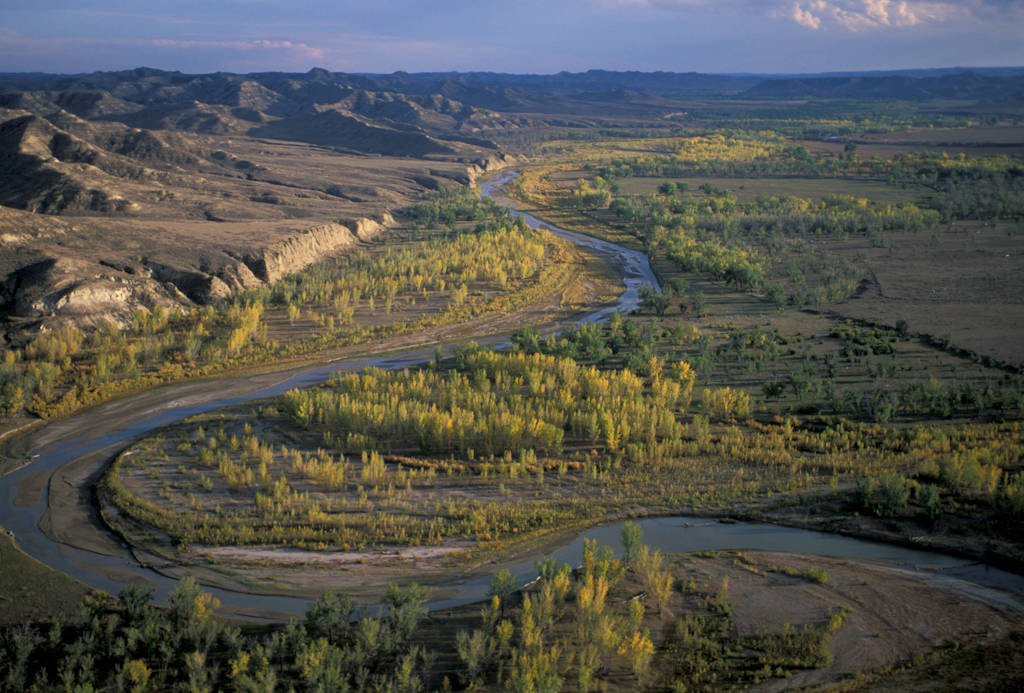 Photo: Overview of the Powder River near Gillette, WY. The area has been heavily roaded since coal bed methane development began.