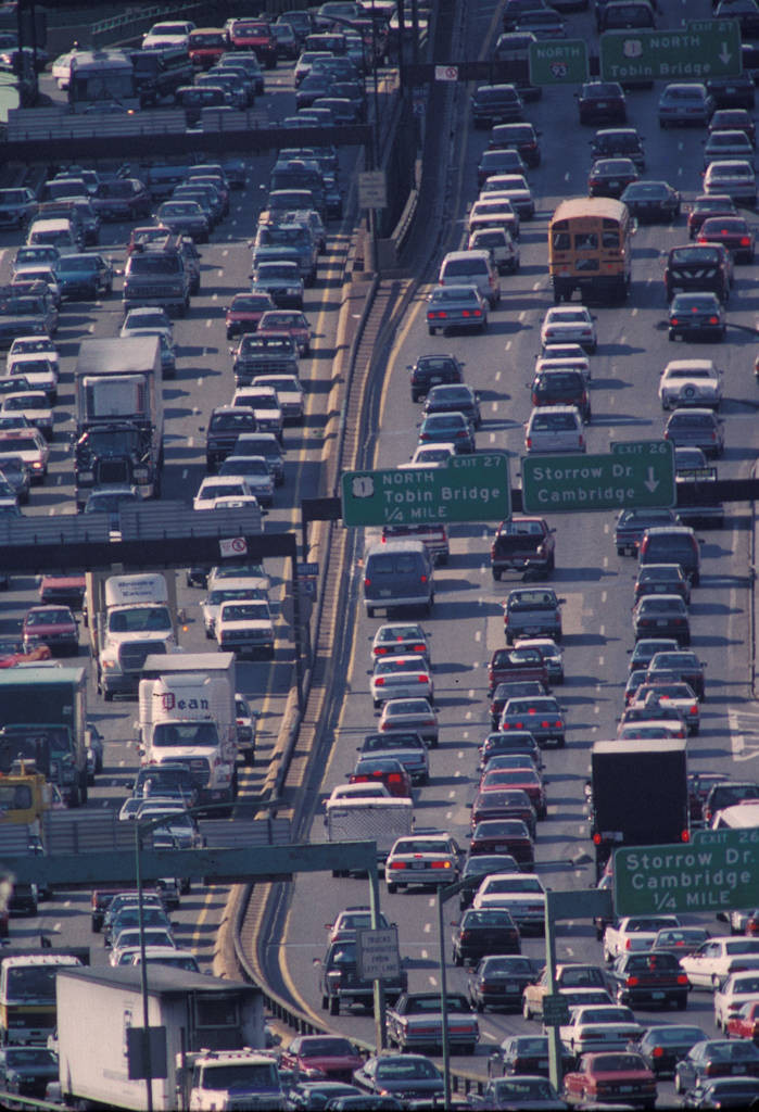 Photo: Traffic piles up on I-93, near the North End of Boston, during a typical rush hour.