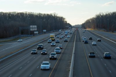 Photo: Traffic on a highway near Chantilly, Virginia.