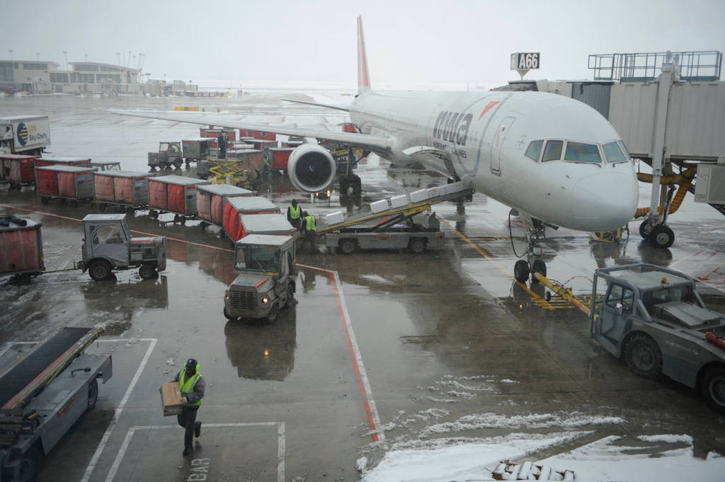 Photo: A plane in Detroit gets prepped for take-off.